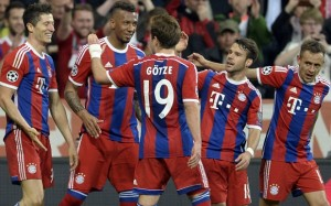 Bayern Munich's players celebrate the fi